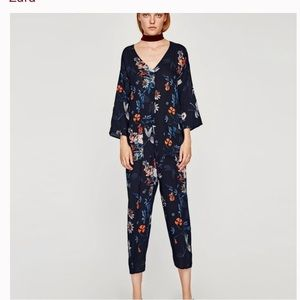 Floral Cropped Jumpsuit Size Small
